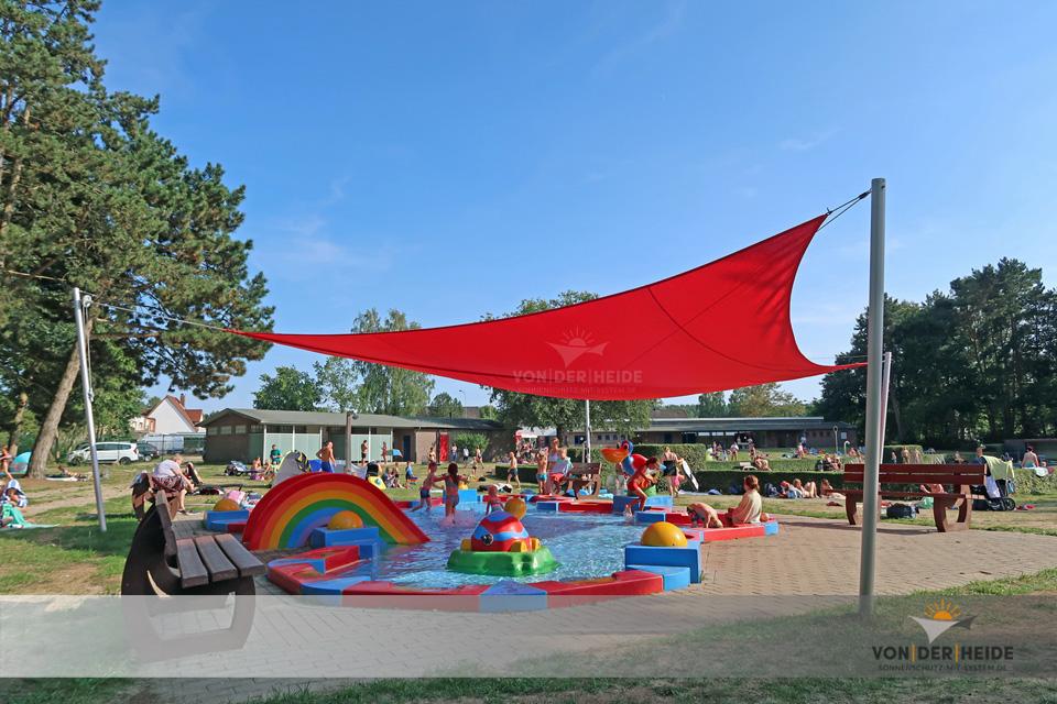 Schule, Bäder und öffentliche Bereiche